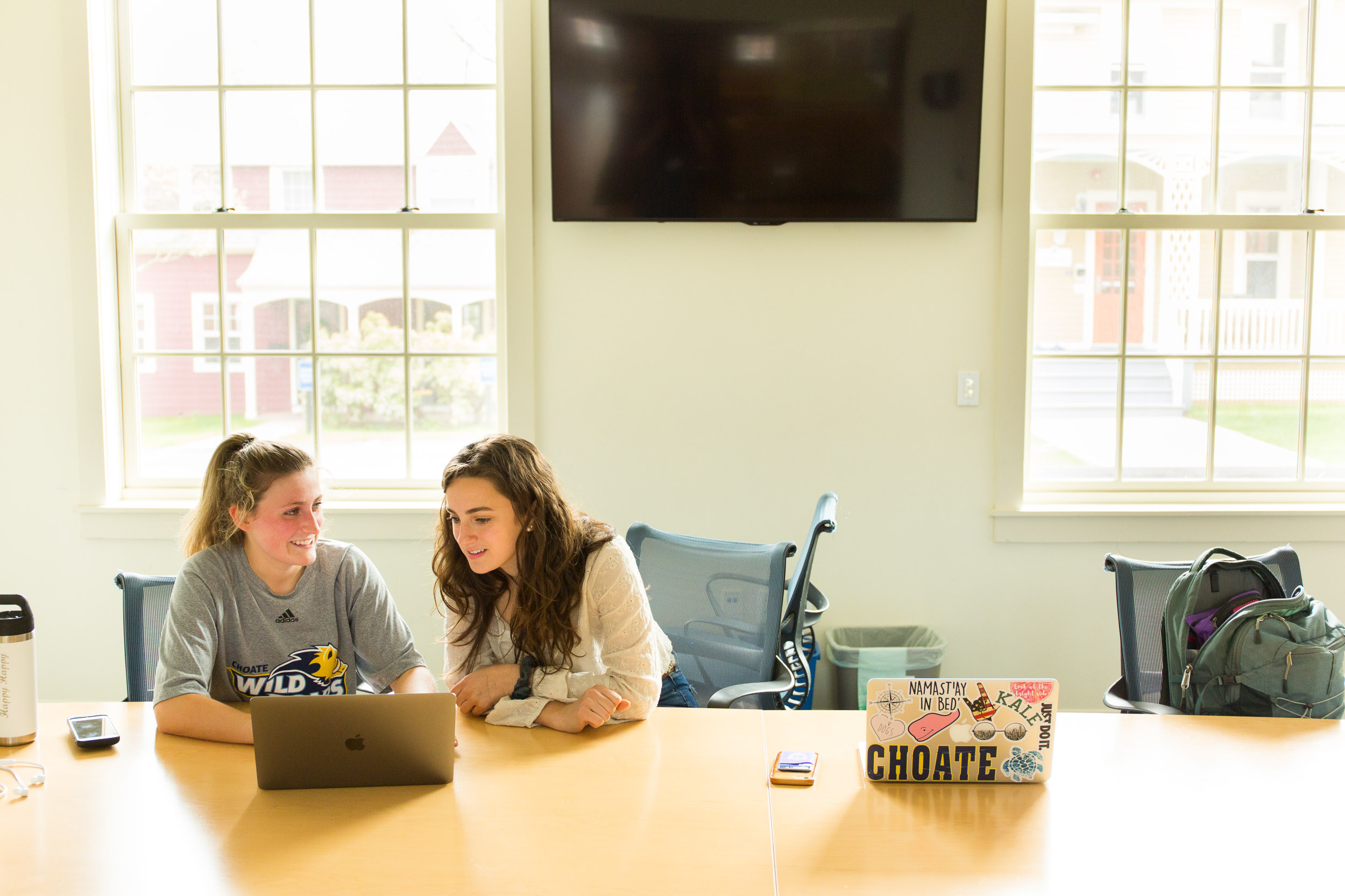 Choate Rosemary Hall girls computers Michael Branscom Photography.